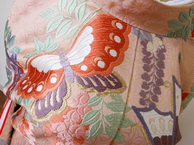 本唐織色打掛ピンク 下り藤、蝶々