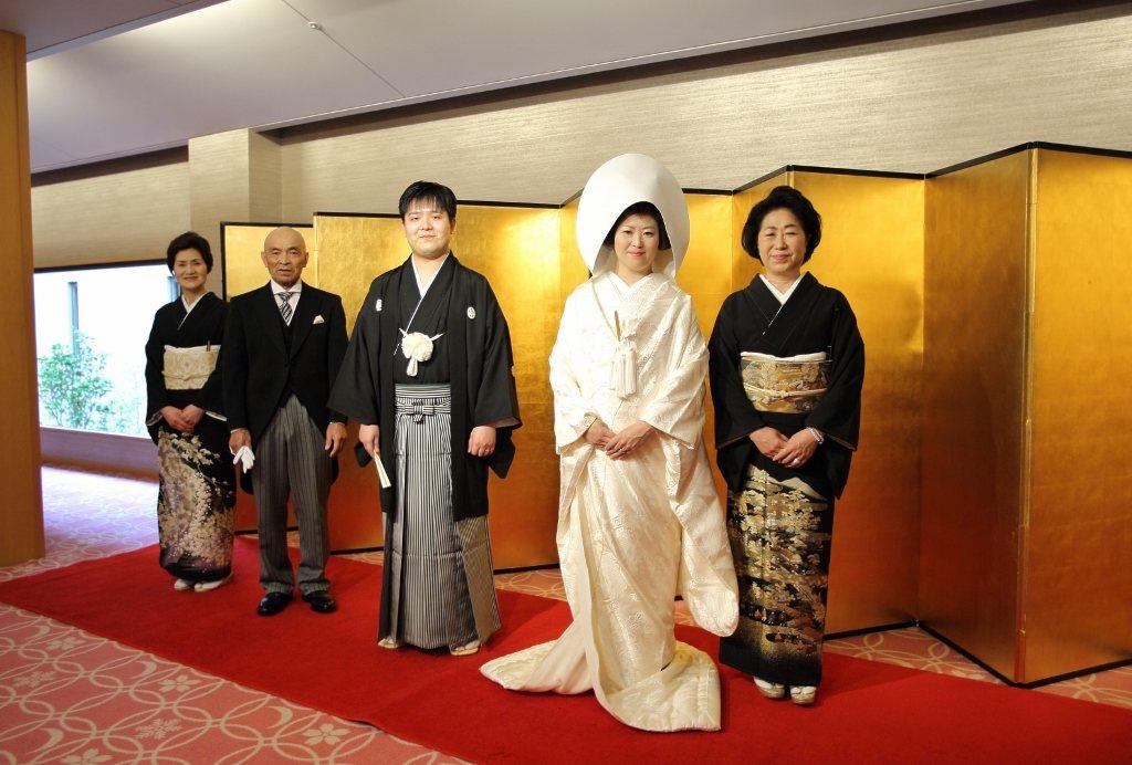 ホテル千秋閣挙式 白無垢、色打掛