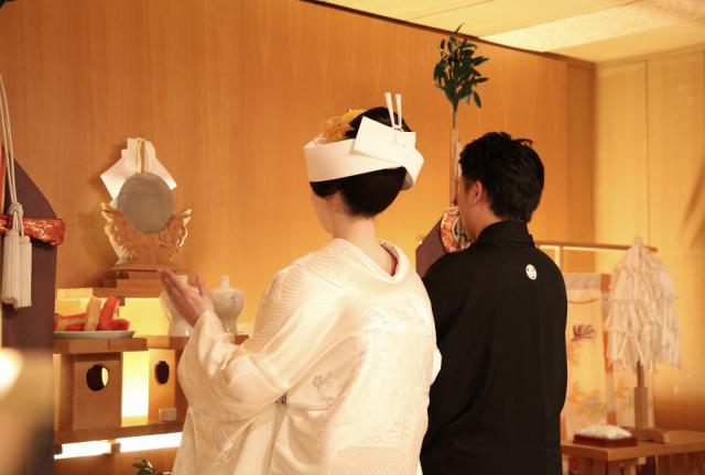 松楓閣挙式 白無垢、唐織色打掛レンタル