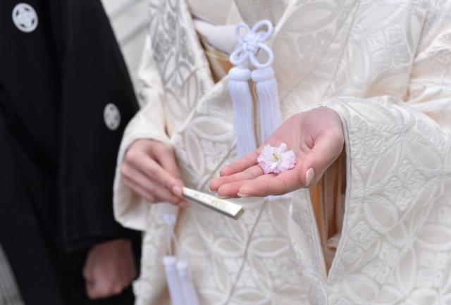 普門園挙式 唐織白無垢、本唐織色打掛レンタル